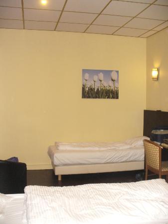 Hotel George V: bedroom