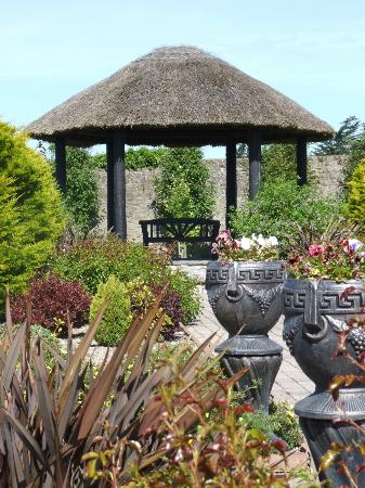 Rathkeale House Hotel : Beautiful Gardens for Wedding Photographs