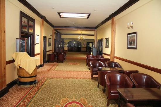 Rathkeale House Hotel: Spacious Lobby