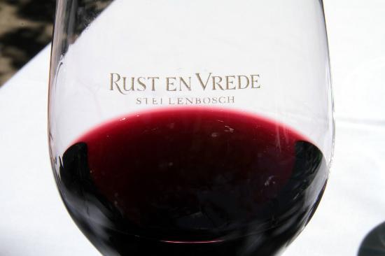 Rust en Vrede Tasting Room : A glass of Ruste en Vrede as good as a wine can be