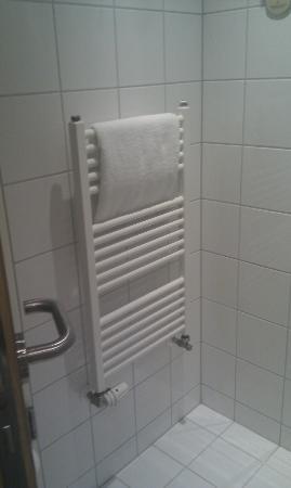 Tulip Inn Dusseldorf Arena : Bathroom