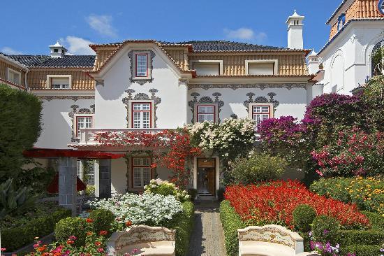 Pergola House