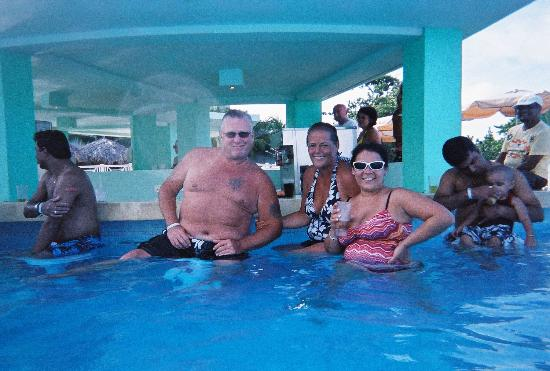 Iberostar Rose Hall Beach Hotel: hanging with the ladies...