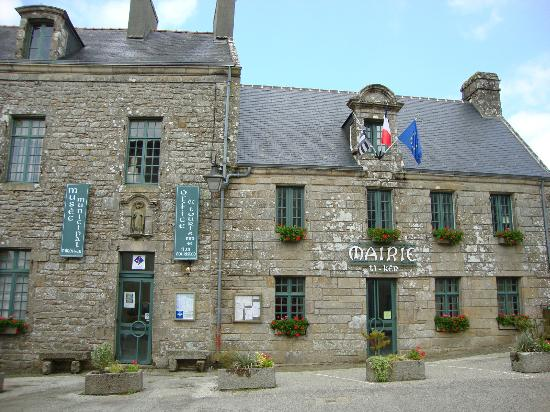 ‪Office de Tourisme de Locronan‬