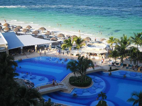 tellement beau picture of hotel riu caribe cancun. Black Bedroom Furniture Sets. Home Design Ideas