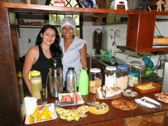Pousada Bons Lencois: eu e a Grazi que manda muito bem na cozinha, muito prestativa.