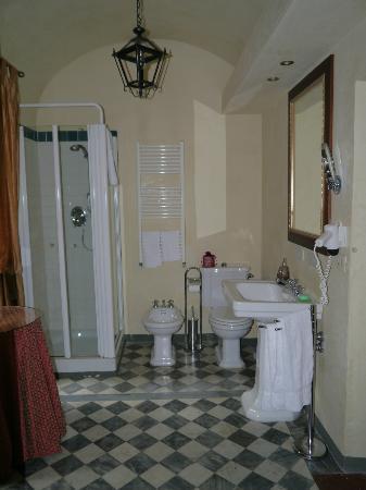 Palazzo Magnani Feroni: Bathroom
