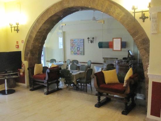 Roma Hotel: Hall