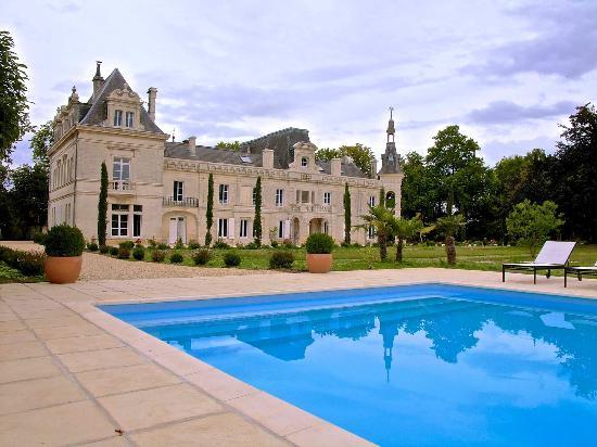 Chateau de brillac b b foussignac voir les tarifs 16 for Piscine du cateau