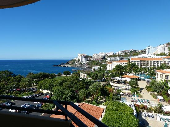 Suite Hotel Eden Mar: View from top floor room across hotel grounds and out to sea.