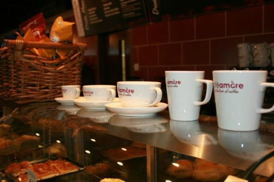 Cromwell, UK: Cafe Amore for the love of coffee