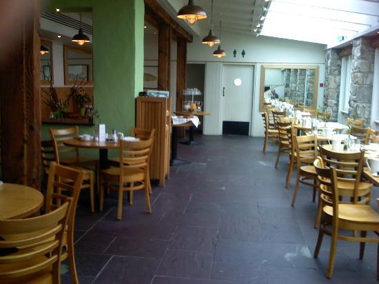 Ye Olde Bulls Head Inn: brasserie