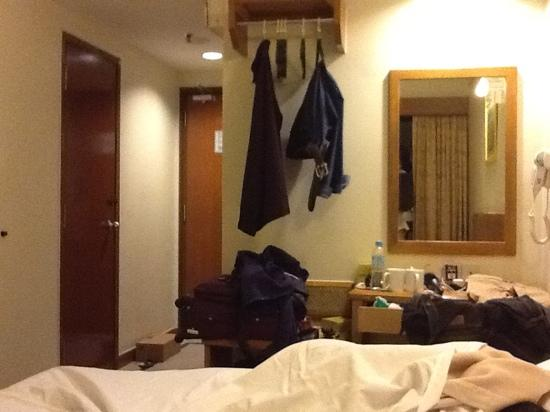 First World Hotel: the deluxe room