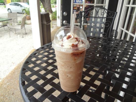 Sanibel Deli & Coffee Factory: Bike in and grab a drink