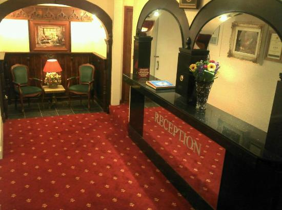 The Rosemundy House Hotel: Reception