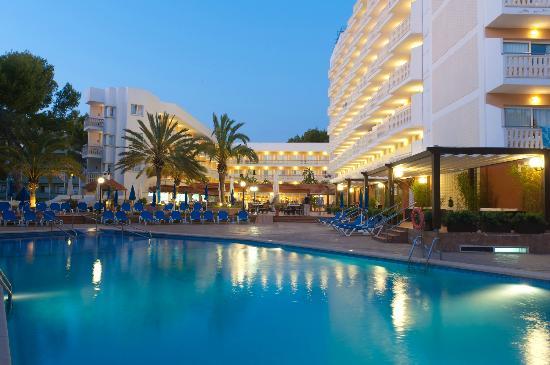 Universal Hotel Lido Park: Piscina
