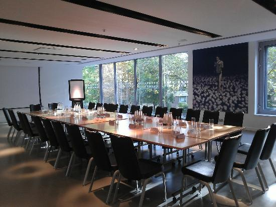Sadler's Wells: Rosebery Room (100 pax conference space)