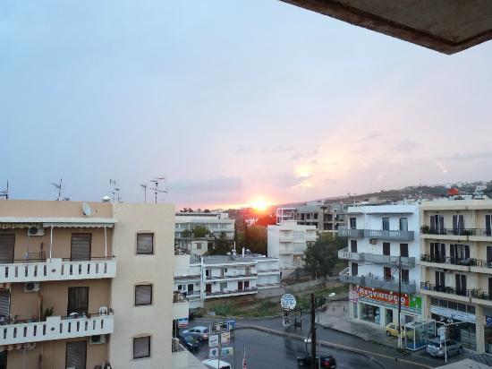 """Theartemis Palace Hotel: Vue depuis le balcon de la chambre """"Soleil levant"""""""