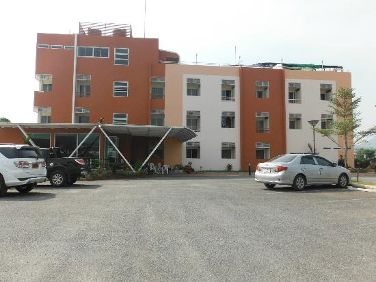 Tharakiree Place Pakchong: Car park