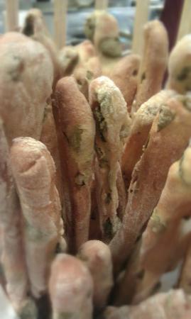Bizzarrie di Pane: grissini olive
