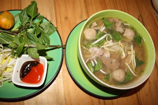 Xuan Mai Restaurant: Супчик Фо