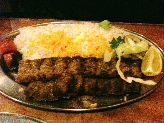 Patogh Restaurant: Chicken Kebab with rice
