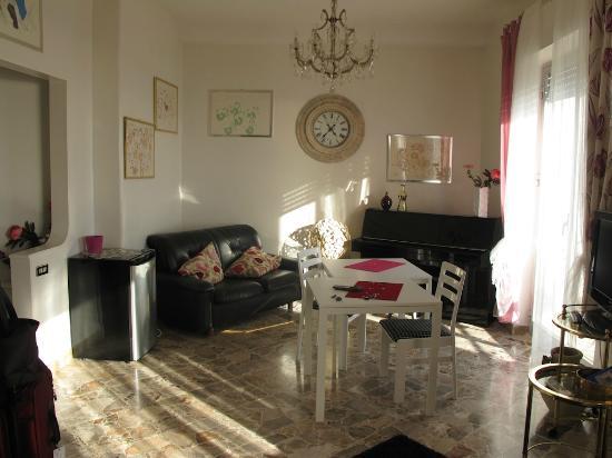 La Casa di El: sitting area