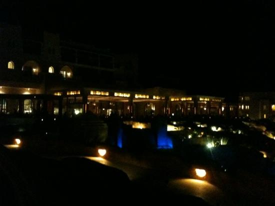 Kempinski Hotel Soma Bay: Kempinski by night