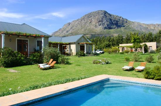 Cape Vue Guest House: Grounds