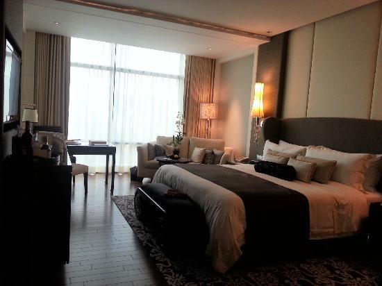 The St. Regis Bangkok: room