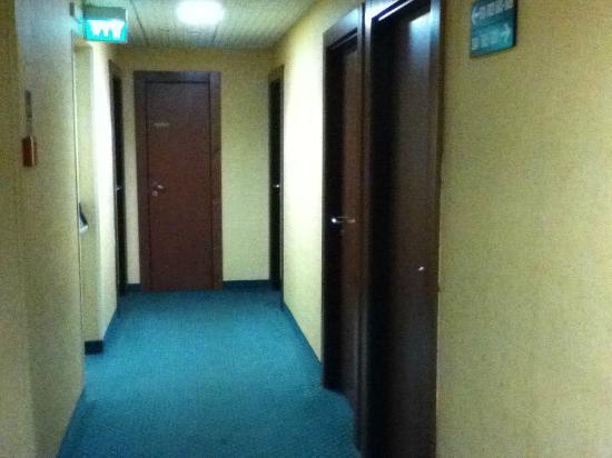 Hotel Boston: Corridor