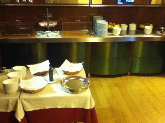 Hotel Boston: Breakfast station