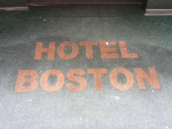 Hotel Boston: Floor at the entrance of the hotel