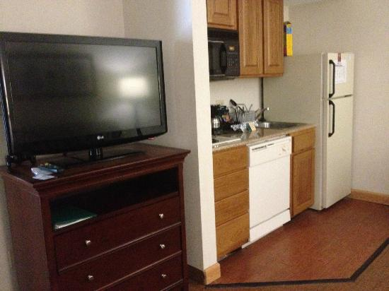 Homewood Suites by Hilton Memphis-Poplar: Kitchenette