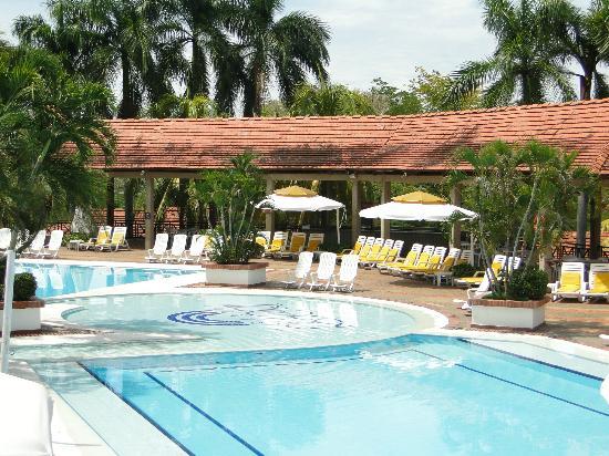 Hotel On Vacation Girardot Resort: Área de Piscina