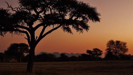 Ondekaremba: Blick auf die Bismarkberge