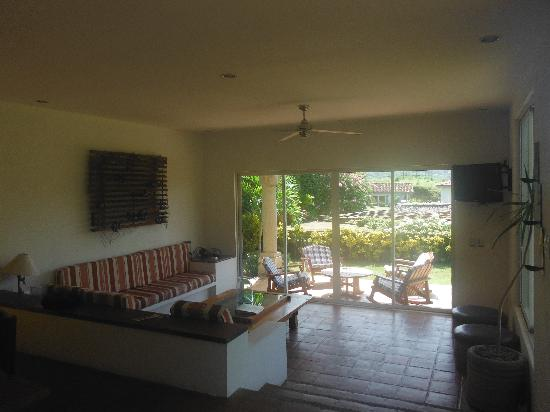 Bahia del Sol Villas & Condominiums: Living Room