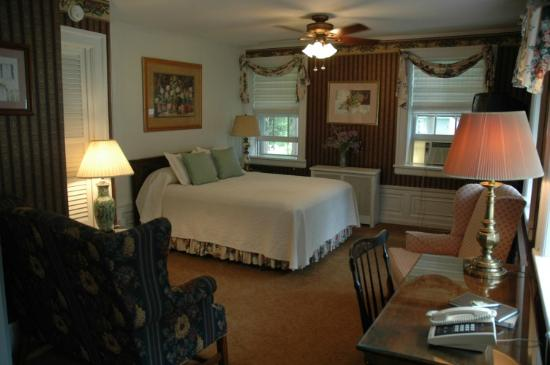 Genesee Country Inn Bed and Breakfast: Garbutt Room