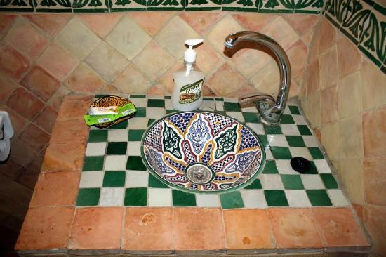 Ryad Zahraa: Sink, Riad Zahraa
