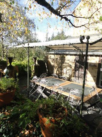 Au Manoir des Forges: Salon de jardin