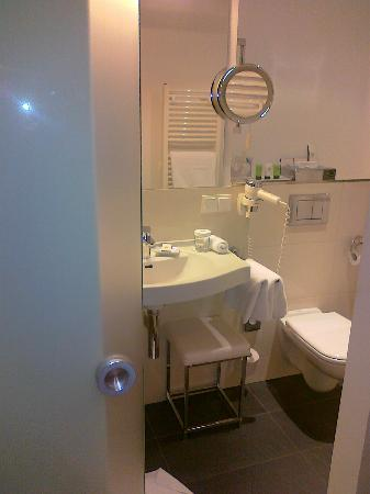 Hotel Brandenburger Tor Potsdam : Superior bathroom
