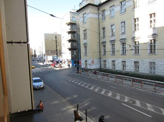 Hotel Danubia Gate Bratislava : street view from the room