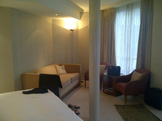 Grand Hotel Kempinski Geneva: Deluxe room 4486 - sitting