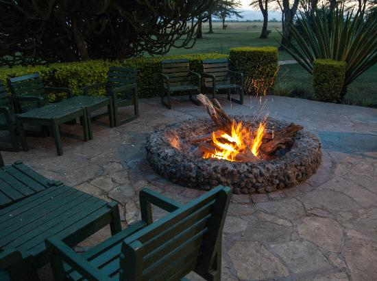 Ol Tukai Lodge: The camp fire - great place to chill out in the evening with a beer or two.