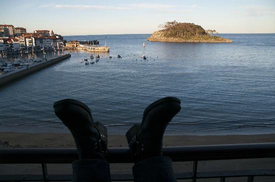 Aisia Zita Hotel Emperatriz: Vue de la chambre vers le port