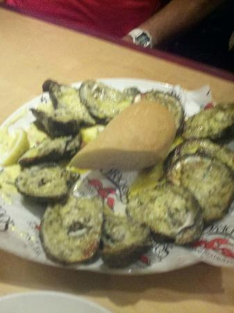 Drago's Seafood Restaurant: Oysters in half shell cooked on open fire!