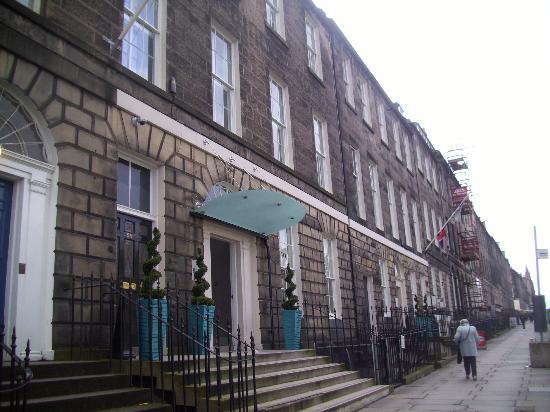 Hotel Indigo Edinburgh: Hotel Exterior!