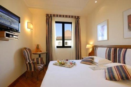 Hotel Laurus al Duomo: Guest Room
