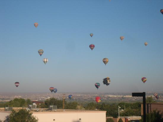 Holiday Inn Express - Balloon Fiesta Park: View from breakfast room