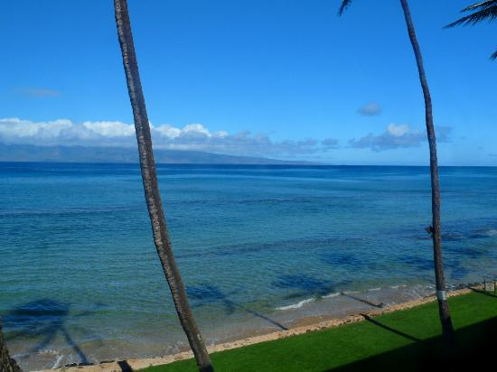 Aston at Papakea Resort: looking to the right on our lanai